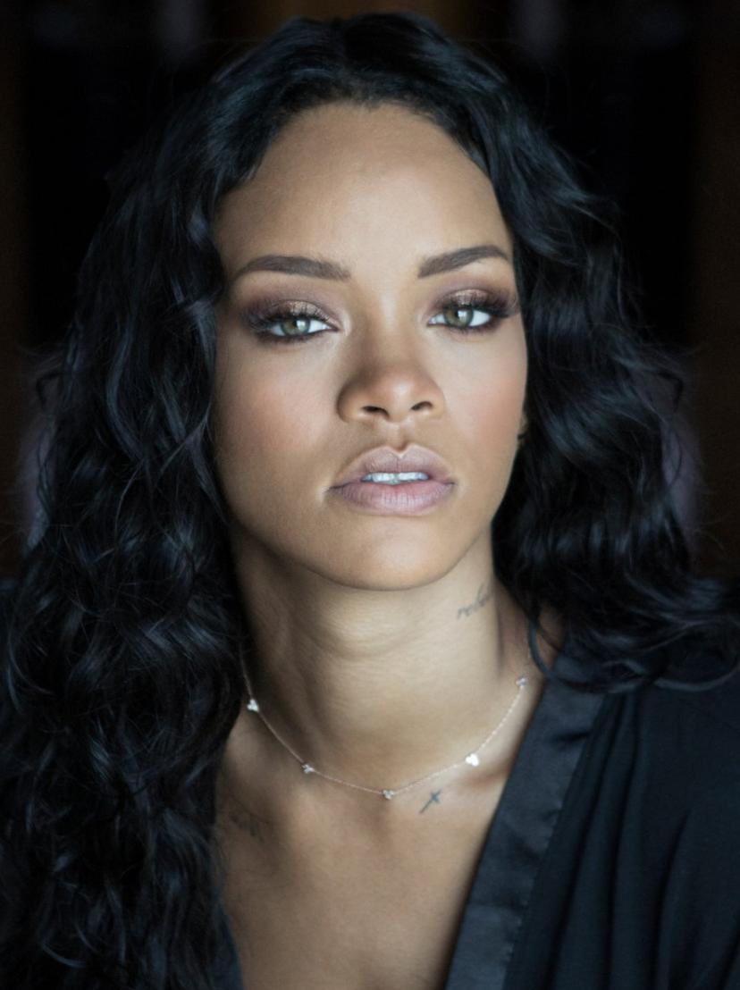 Rihanna Gets A Very Big Award | inside jamari fox Rihanna