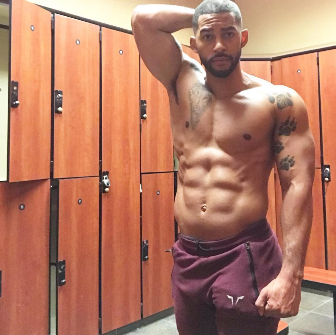 Troy woolfolk is on the dilf checklists with his ig
